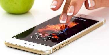 Usuarios-revisan-el-celular-más-de-150-veces-al-día