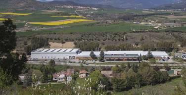 Schneider-Electric-fabrica-en-su-planta-de-Puente-la-Reina