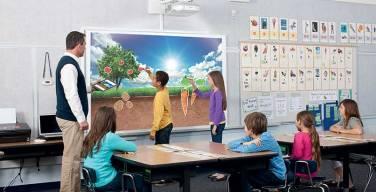 Epson-contribuye-a-la-educación-con-sus-proyectores-interactivos