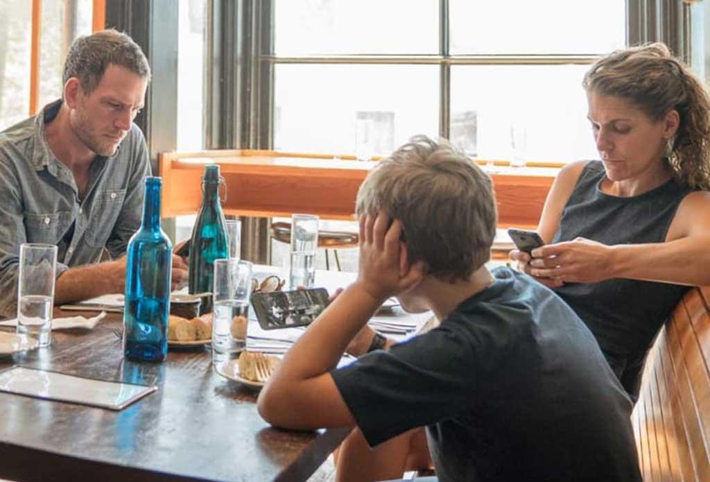 El-smartphone-es-la-pantalla-preferida-de-los-adolescentes