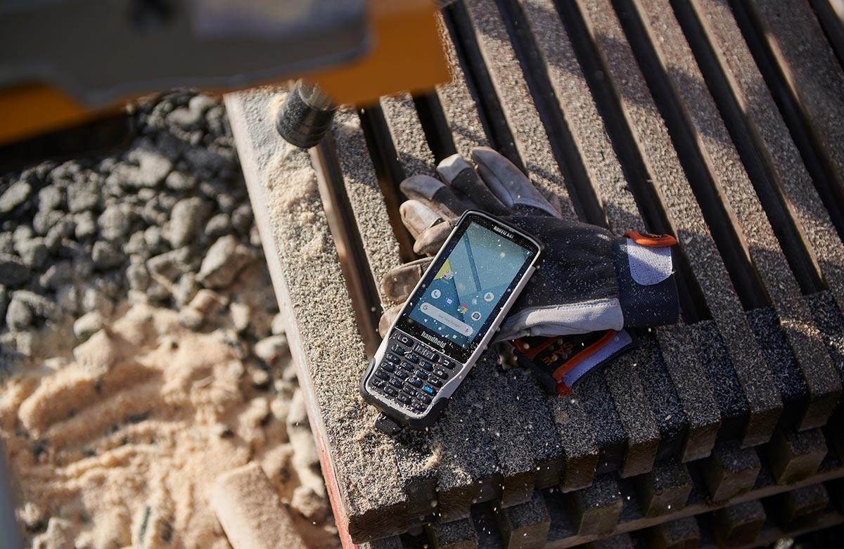 Handheld-lanza-nuevo-dispositivo-Nautiz-X41