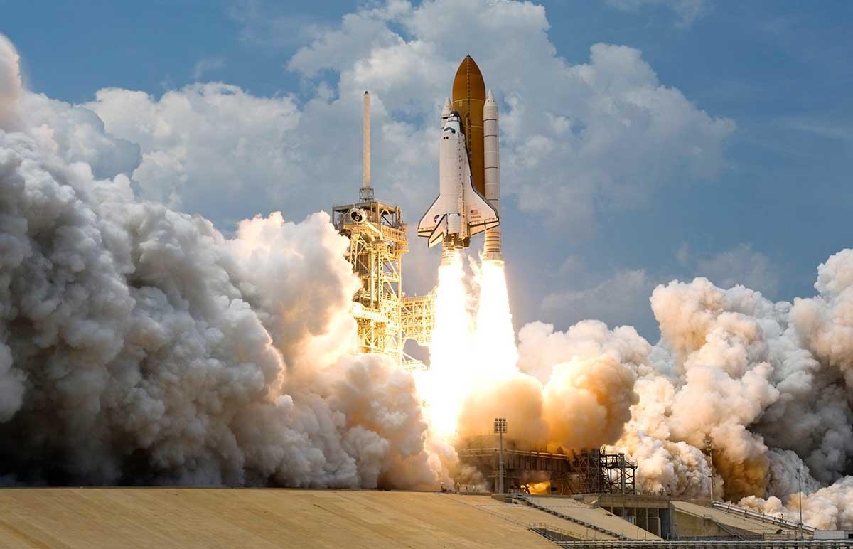 amazon-web-services-revela-un-nuevo-segmento-de-negocio-espacial