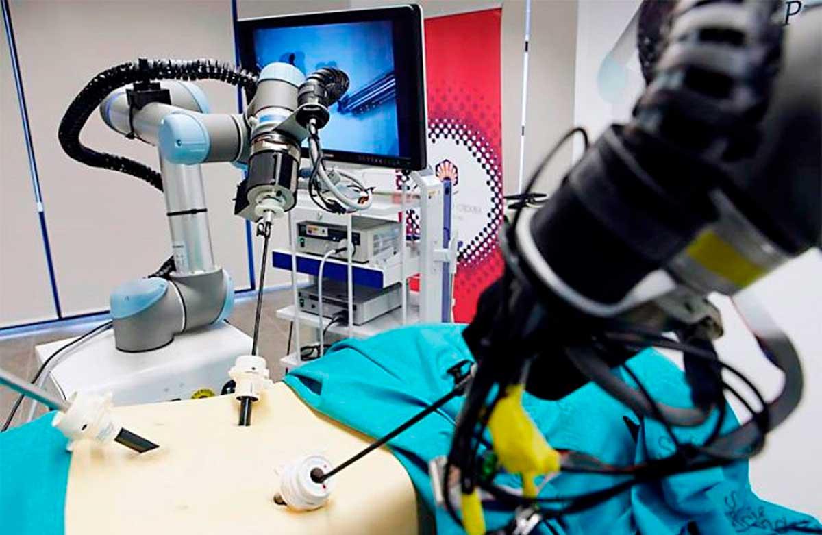 presentan-sistema-robotico-peruano-para-brindar-apoyo-en-operaciones-quirurgicas