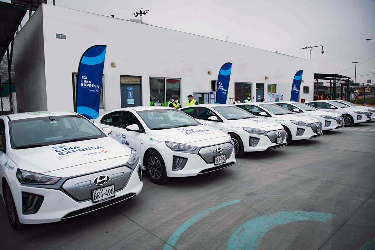 lima-expresa-presenta-flota-de-ocho-vehiculos-electricos