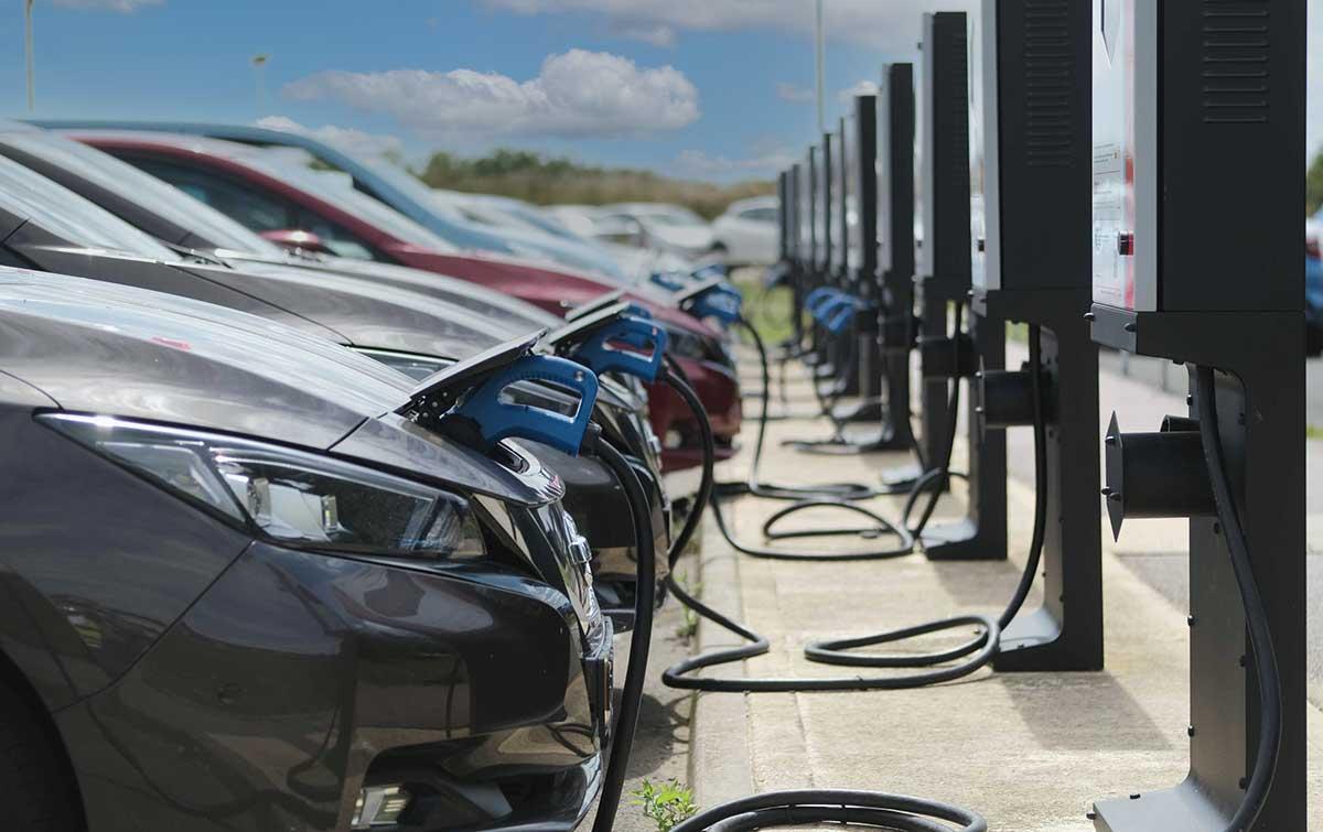 resaltan-en-inglaterra-el-ahorro-de-emisiones-y-las-ventajas-de-la-tecnologia-nissan-vehicle-to-grid