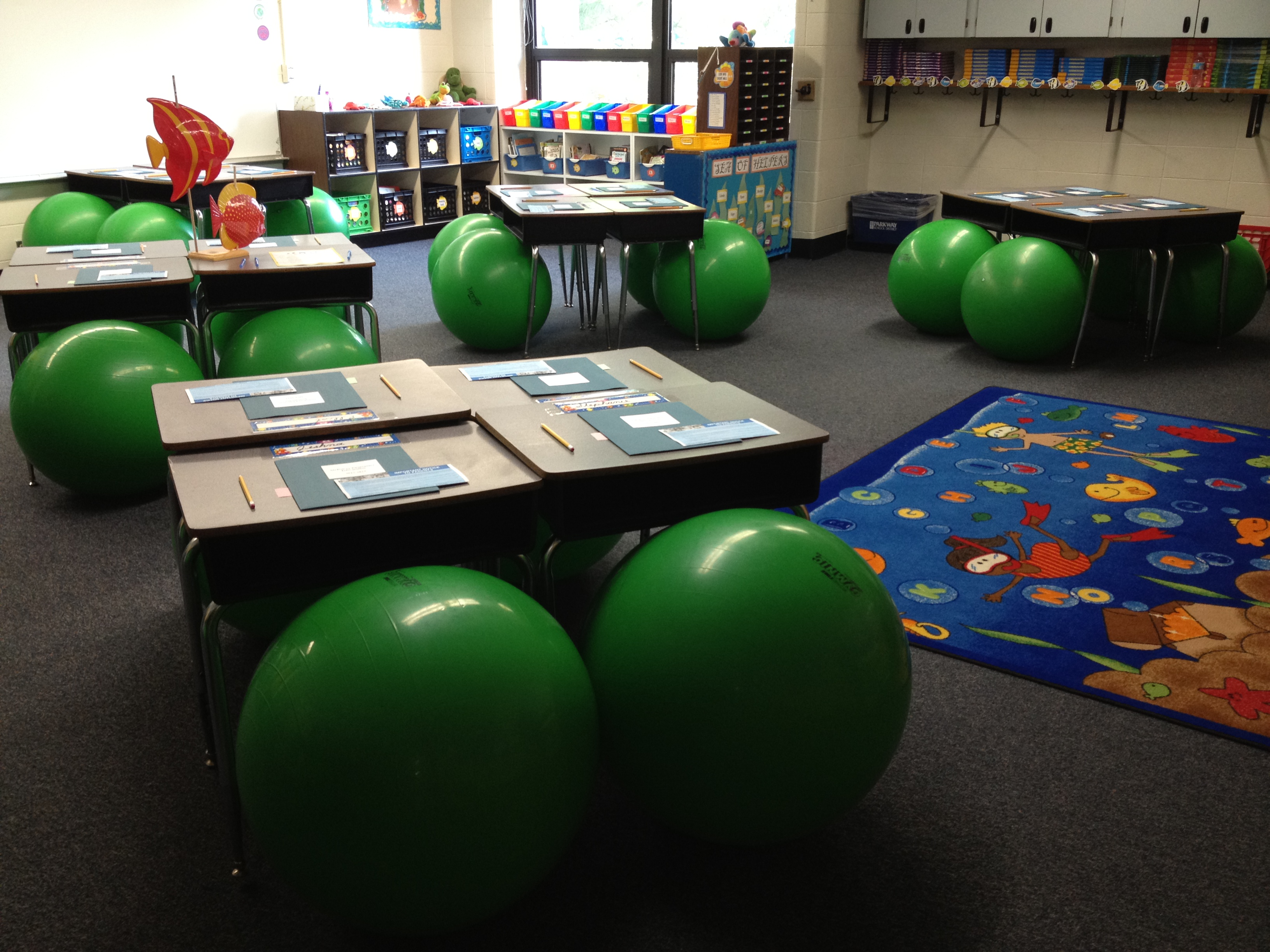 ball chairs for students recliners orthopaedic wods kids itz linz