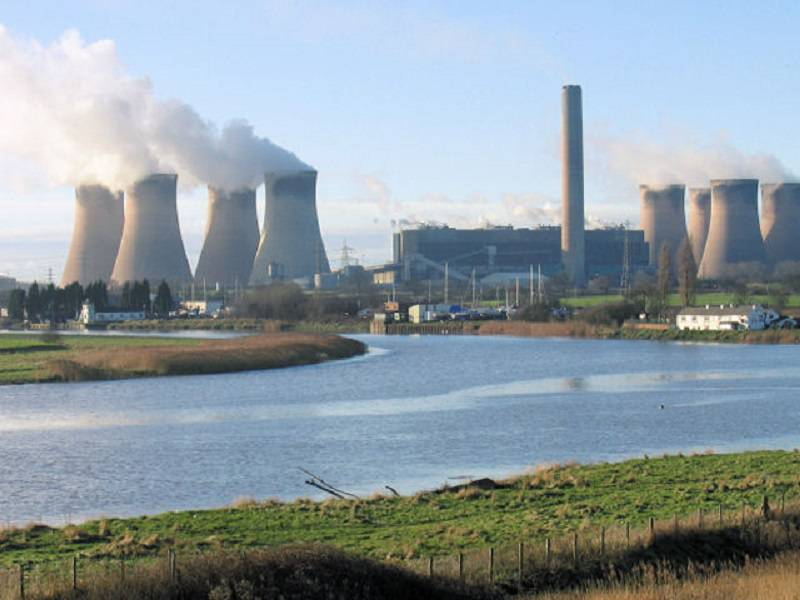 Fiddlers_Ferry_power_station_-_geograph_org_uk_-_205758_compressed