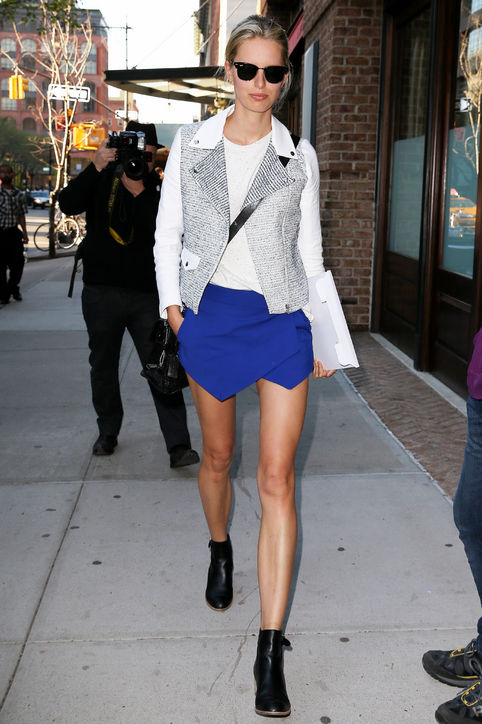 karolina-kurkova-wrap-mini-skirt-fa-h724