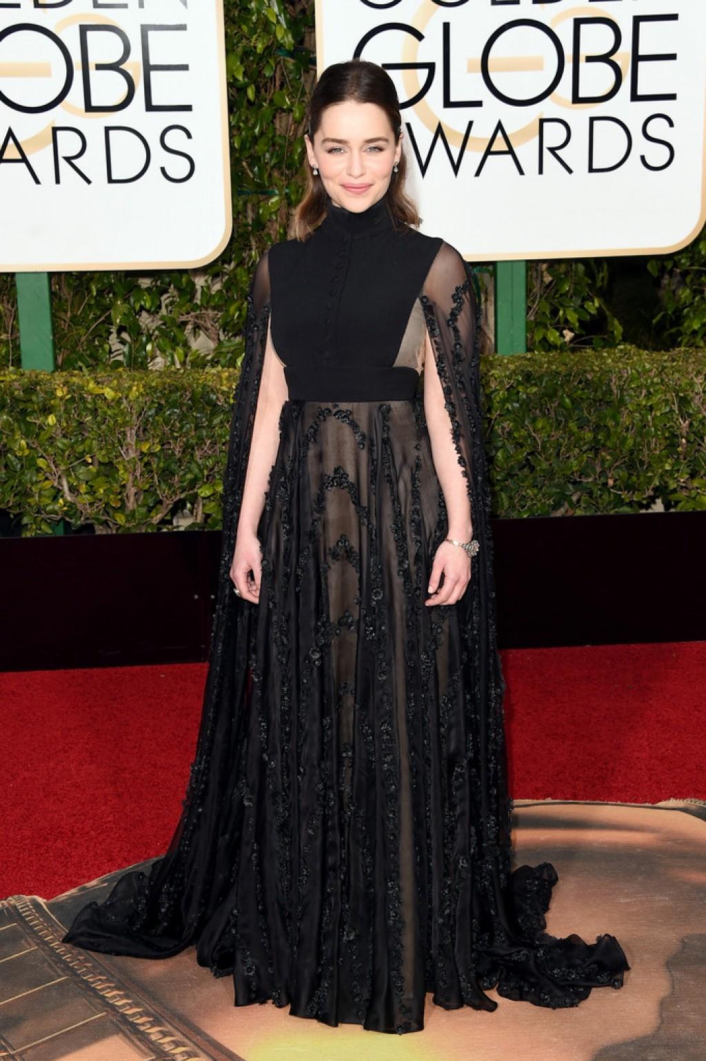 Emilia-Clarke-2016-Golden-Globes-Valentino-dress-1024x1539