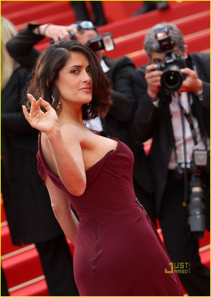 "CANNES, FRANCE - MAY 12:  Salma Hayek attends the ""Robin Hood"" Premiere at the Palais des Festivals during the 63rd Annual Cannes Film Festival on May 12, 2010 in Cannes, France.  (Photo by Sean Gallup/Getty Images)"