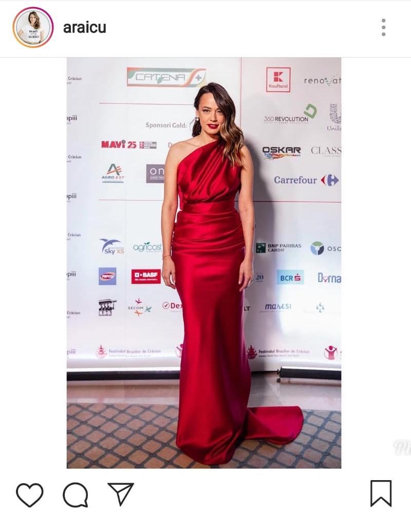 Andreea Raicu, în rochie la eveniment