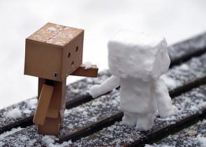 box,robot,snow,kids,papercraft,snowman-ed74eb95d11e73329c1470c4ed77e7c6_h