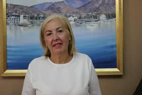 La tercera Teniente de Alcalde, María Ángeles Escámez, tiene asignada una dedicación parcial de 32 horas para el desarrollo de las funciones que tiene encomendadas, pese a ser la concejala del equipo de gobierno que más competencias delegadas asume. Escámez es la única de los cuatro tenientes de alcalde que no tiene dedicación exclusiva.