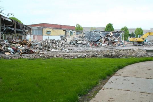 Greenlawn_demolition_roeder_10