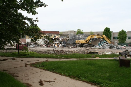 Greenlawn_demolition_roeder_11