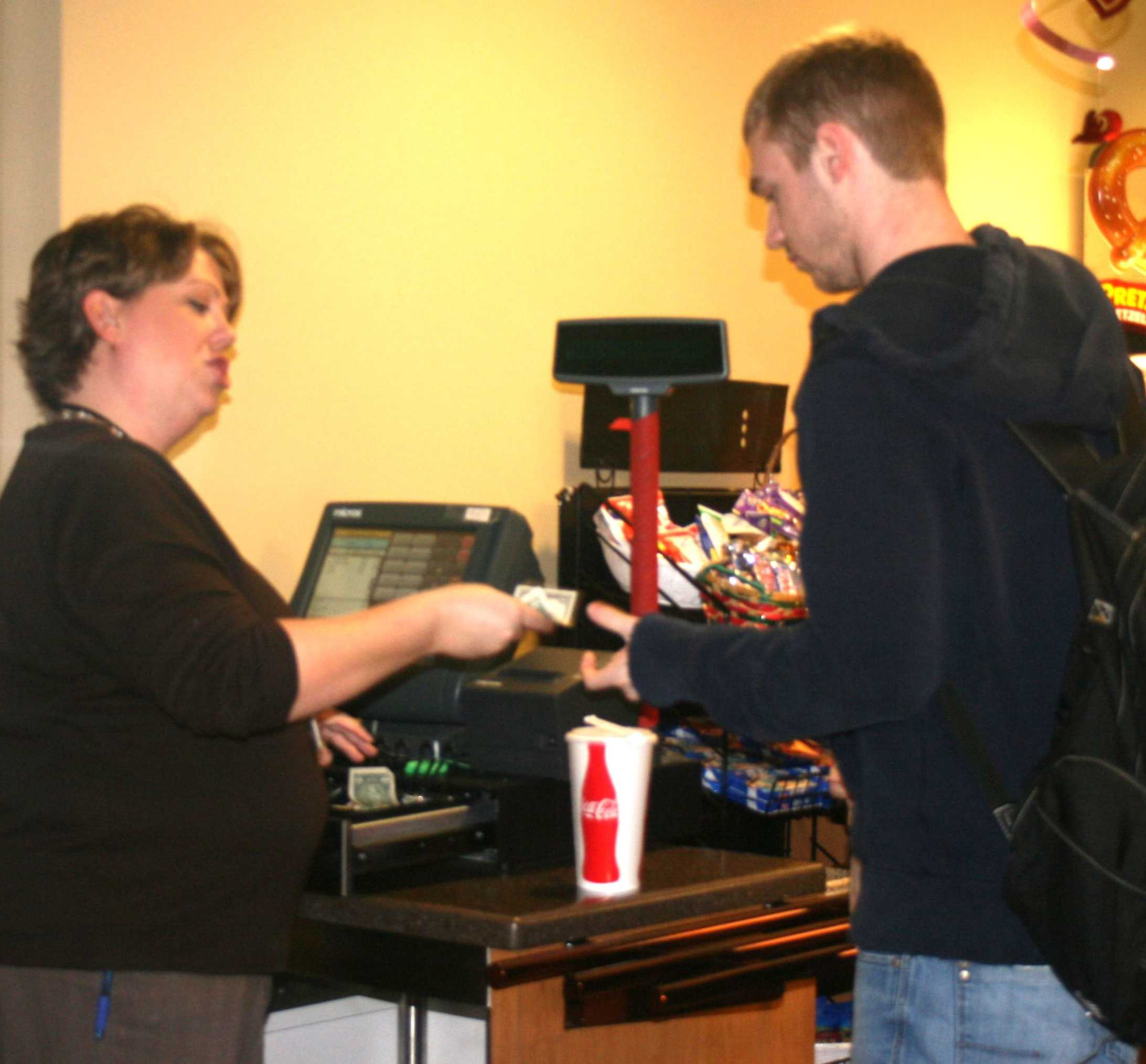 Ius Dining Services Conducts Food Court Survey The Horizon
