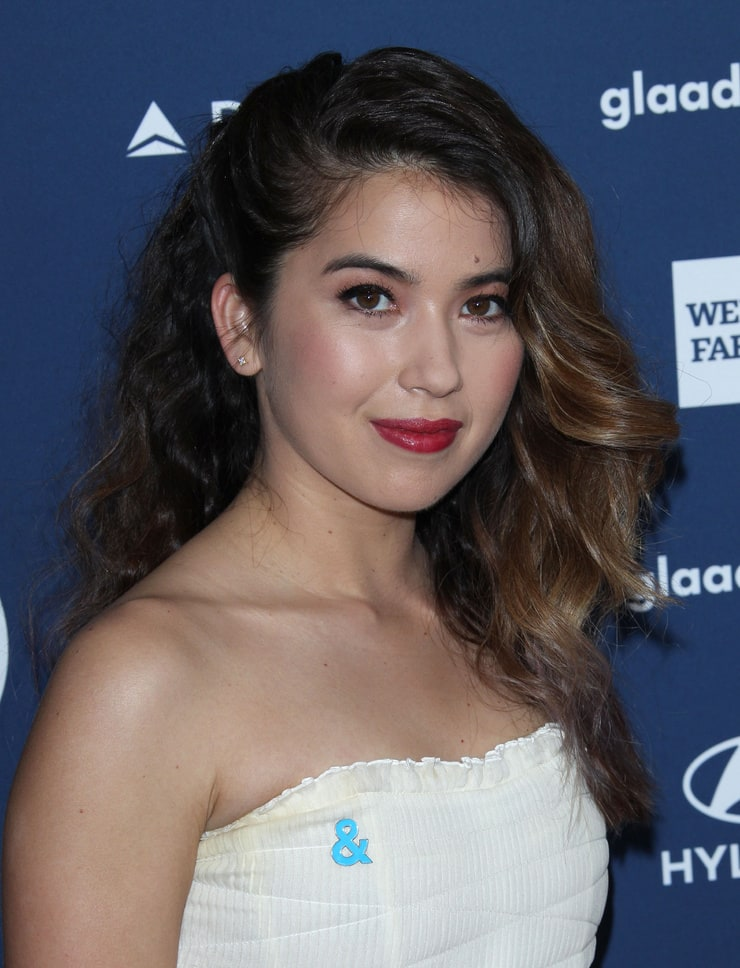 Picture of Nichole Bloom