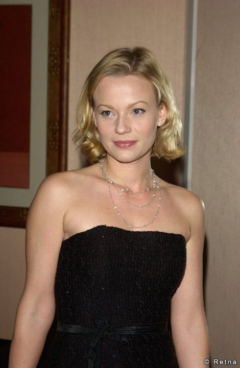 Picture of Samantha Mathis