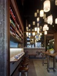 Farolillos y santuario en diseño de restaurante Koh Lanta en A Coruña (Galicia)