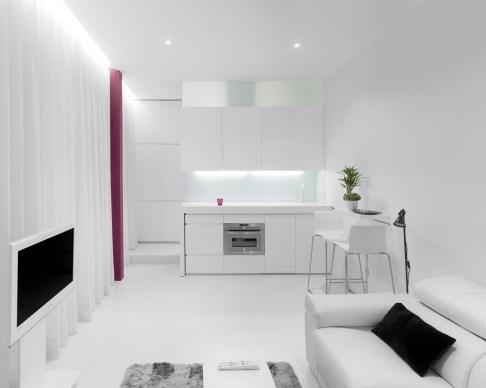 Encimera cocina recogida. Diseño interior de mini-apartamento en Madrid