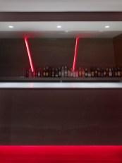 Contrabarra e iluminación en La Fragua de Vulcano Lounge & Bar