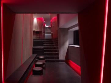Detalles iluminación LED Rojo en La Fragua de Vulcano Lounge & Bar