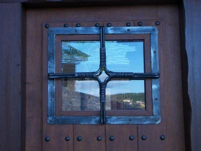 Detalle puerta en casa rural
