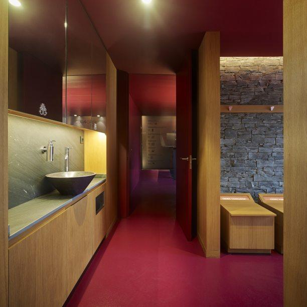 Cuarto de baño en Showroom experiencial de Cupa Pizarras en Galicia