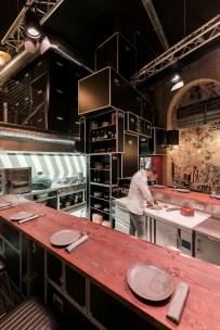 Vista barra en «U» Diseño de Restaurante Pracer en A Coruña