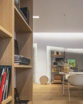 Mesa y sillas de Ondarreta en atención personalizada - INteriorismo EStratégico en Galicia - Showroom mobiliario Sutega