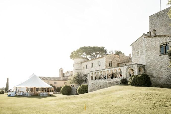 vue sur le château de Castellaras