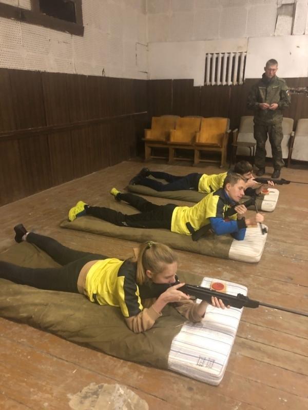 Ивангородская молодёжь показала свои боевые навыки (фото)