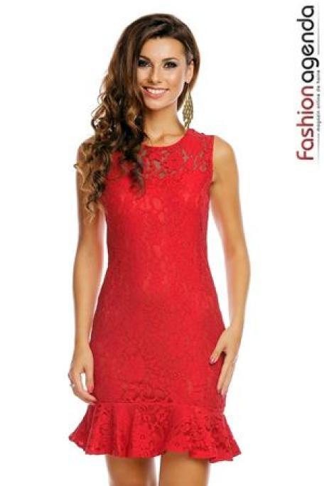 rochii-rosii-scurte-dantela