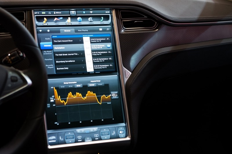 tesla-model-dash-cluster-via-media-labs.jpg