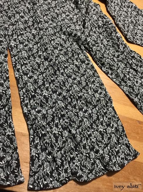 Ivey Abitz Elsie Duster Coat in Onyx Floral Weave