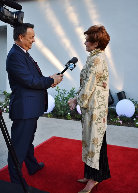 Carolyn Hennesy interviewed in Ivey Abitz bespoke by George Pennacchio of KABC-TV, Los Angeles, at the opening of Master Class.