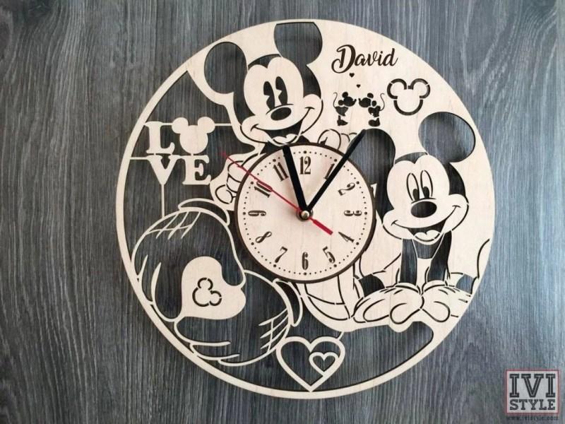 Ceas-Mickey-Mouse-din-Lemn-01-Personalizat