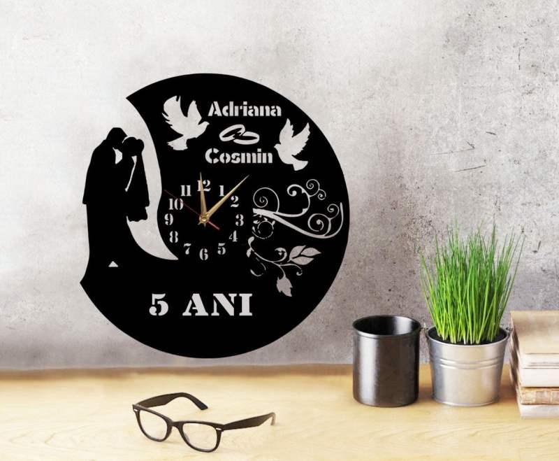 Ceas Aniversare Casatorie Personalizat 02