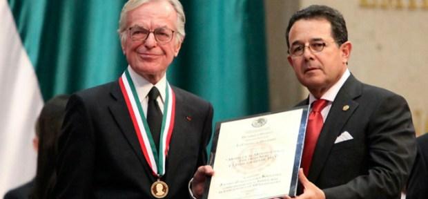 Premios-que-recibio-Jacobo-Zabludovski-por-su-trayectoria-periodistica