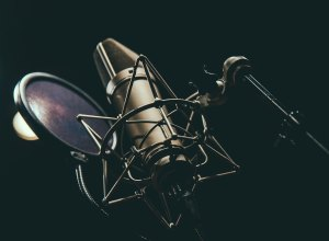 5 Qualities To look out for When Hiring Voice Actors