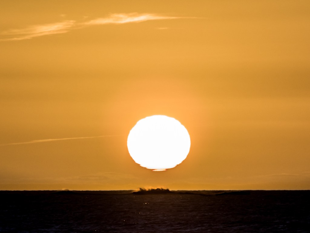 Sunrise, shot with the Pentacon 200mm legacy lens
