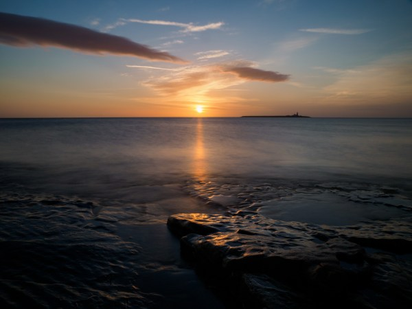 Sunrise on Coquet Island shot on a one-to-one bespoke photography workshop