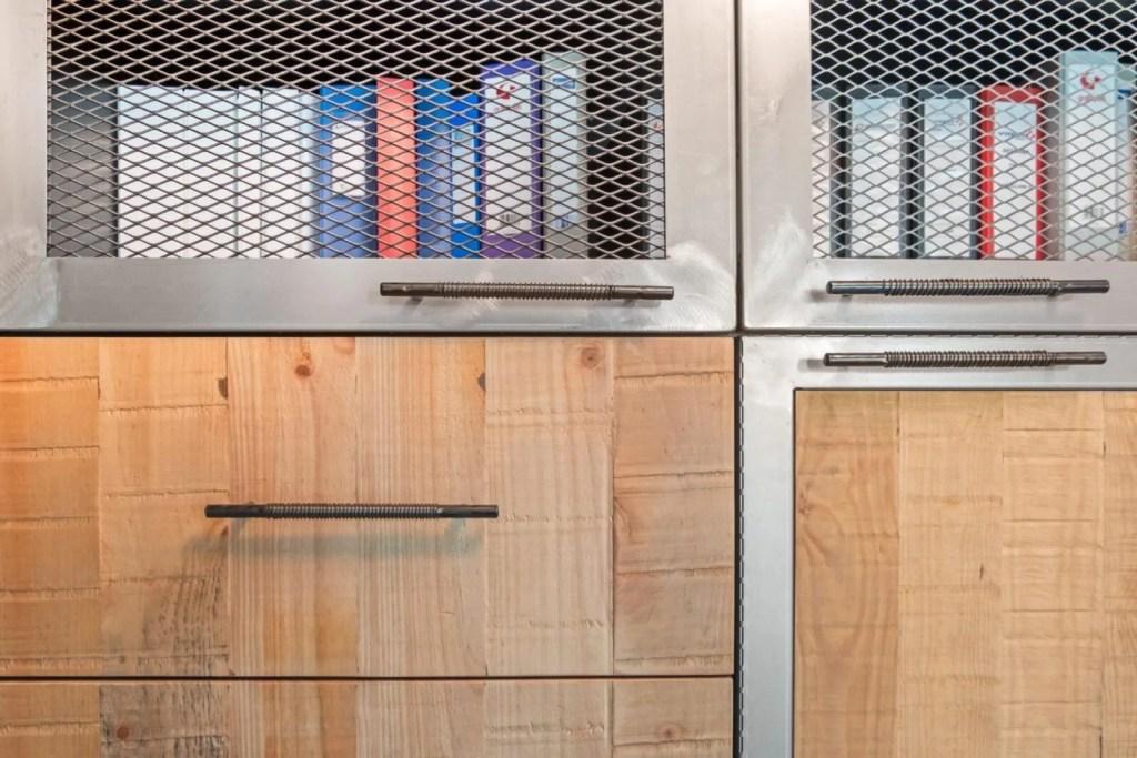 Ideas de interiorismo para oficinas con las que ganarás espacio