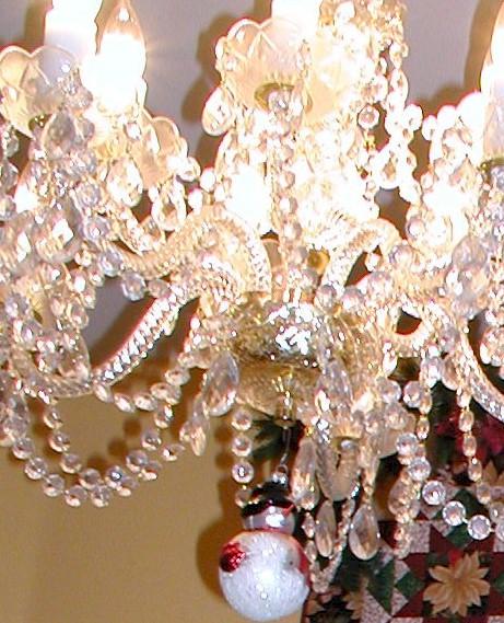 christmas-chandelier