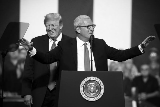 Picture of Sen. Kevin Cramer and President Donald Trump