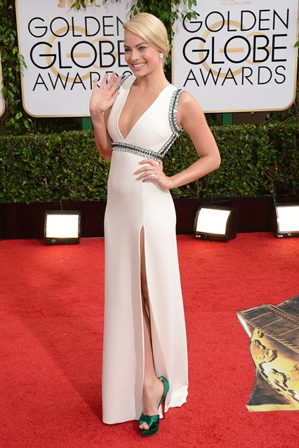 margot-robbie_Gucci gown with Christian Louboutin heels.