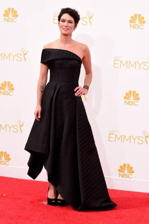 emmy-awards-emmys-2014-lena-heady-rose-leslie-red-carpet-orig-2__width_580
