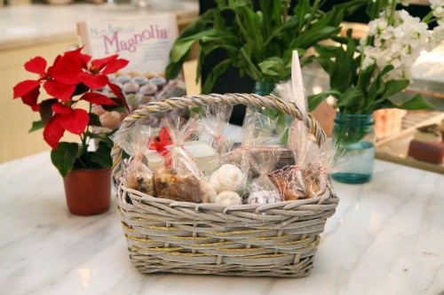 Magnolia Bakery Small Christmas Basket