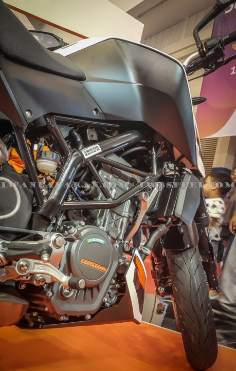 KTM Duke dan RC200 (6)