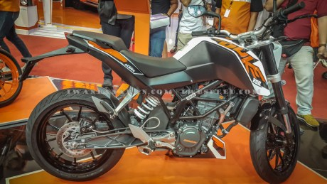 KTM Duke dan RC200 (9)